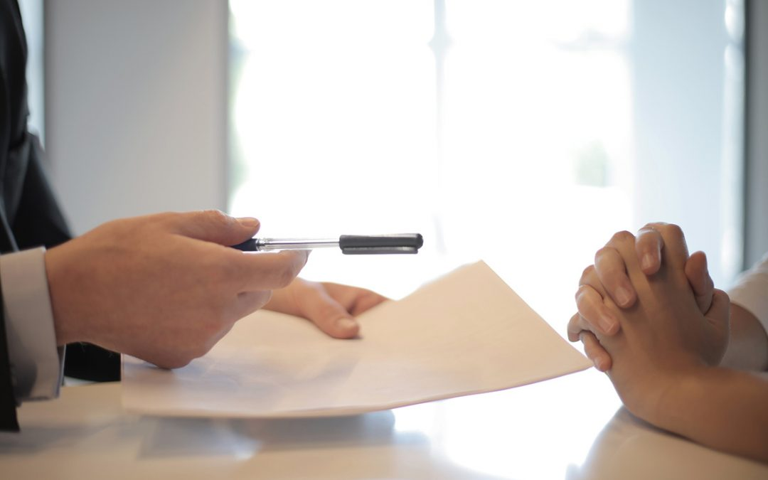 Should I Hire a Solicitor or a Conveyancer?